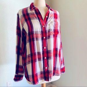 EUC Levi's Boyfriend Fit plaid shirt
